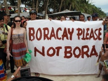 Richard and Lucy support the advocacy. Photo courtesy of Boracay Please Not Bora group on Facebook