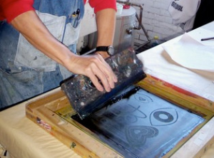 Whenever I get bored in the office, I used to go to the production area and try this silkscreen process. (image byhttp://www.leisuretimelearning.co.nz/courses/3-silkscreen-printing-saturday-workshop )